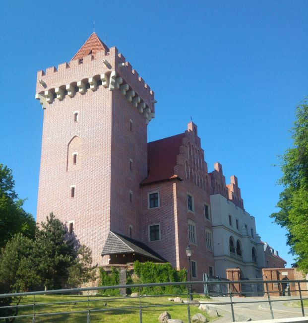 Royal Castle (new.)